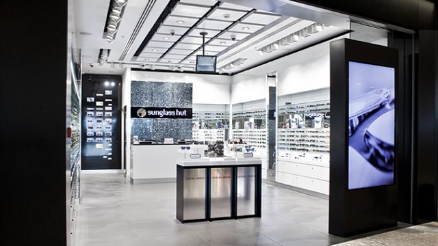 New generation airport shop Heathrow Terminal T5